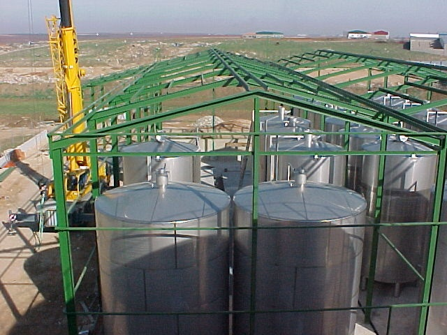 TURN-KEY INSTALLATION FOR WINERY WITH RED WINES (BADAJOZ) WITH A TRANSFORMATION CAPACITY OF 3,000,000 KILOS