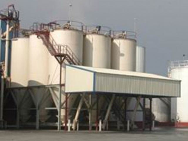 V=94.3 M3 SILOS MADE OF CARBON STEEL AND CYCLONES MADE OF STAINLESS STEEL (SEVILLE)