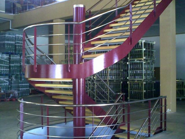 STAIRCASE IN A WINERY (ALMENDRALEJO - BADAJOZ)